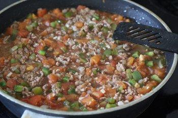 Готовый соус болоньезе тушеный с вином и зеленью