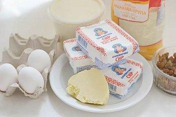 Ингредиенты для творожной запеканки с изюмом