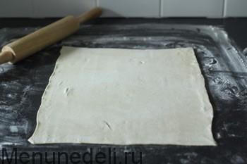Яблочный штрудель из готового бездрожжевого теста, пошаговый рецепт с фото