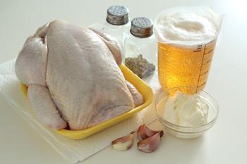 Ингредиенты необходимые для приготовления курицы на банке с пивом