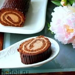 Шоколадный бисквитный рулет с масляным кремом