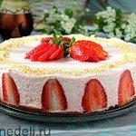 Biskvitnyj-tort-s-klubnikoj1806