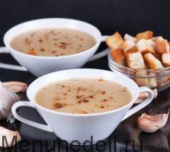 Sup-pjure iz pechenogo chesnoka i kartofelja sglavnoe foto