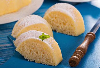 Свежий результат приготовления манника на кефире с лимоном