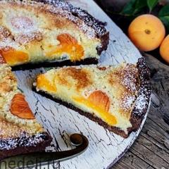 Шоколадный тарт с абрикосами