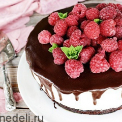 Торт с малиной без выпечки