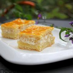 Песочный пирог с яблочно-творожной начинкой