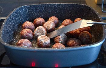 Уникальное покрытие позволяет равномерно прогреваться сковороде