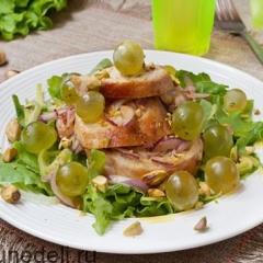 рецепт салата с виноградом и курицей и орехами