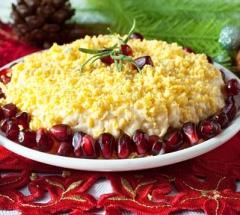 Salat s syrom i jablokami Pompadur-о_opt