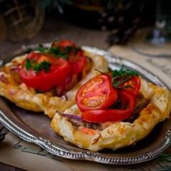 Тарталетки с семгой и овощами - рецепт с пошаговыми фото