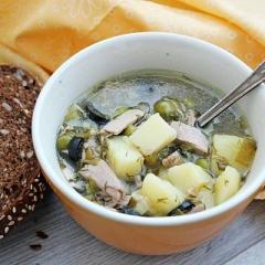 Картофельный суп с тунцом и картофелем в мультиварке