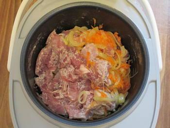 Рецепт гуляша в мультиварке из свинины