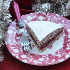 Гречневый торт с маком и малиновым вареньем