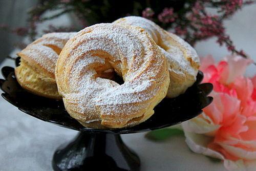 Заварные булочки-кольца с творожным кремом