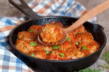 Kak prigotovit' tefteli s risom-podacha