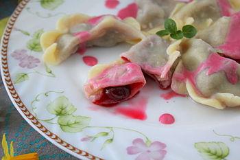 Вареники с замороженной вишней: 14 пошаговых фото в рецепте