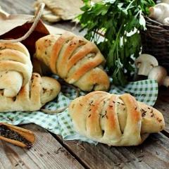 Постные пирожки с грибами
