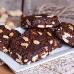 Постные шоколадные квадратики без выпечки