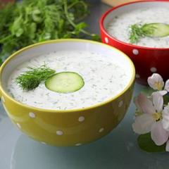 Болгарский холодный суп с огурцом