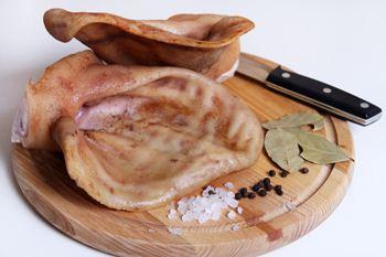 Gotovye ushki s pripravami-kak prigotovit' svinye ushi