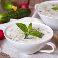 Холодный суп из йогурта