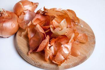 Lukovaja sheluha-kak prigotovit' svinye ushi