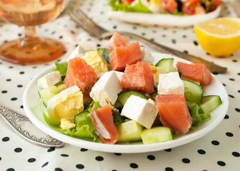 рецепт салата с соленой горбушей с фото