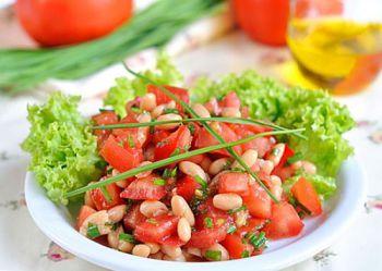 salat iz fasoli s pomidorami_opt