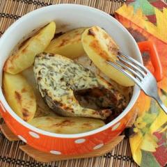 Как приготовить горбушу в духовке со сметаной