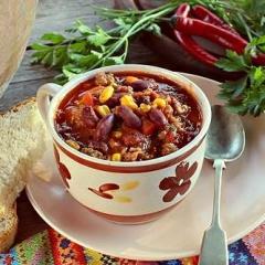 Острый мексиканский суп с фасолью