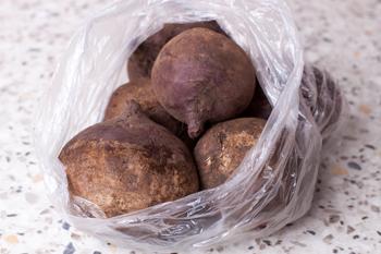 Svekla v pakete-hranenie ovoshhej i fruktov zimoj