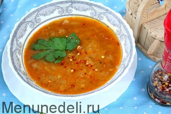 Готовый постный ароматный суп из консервированной фасоли