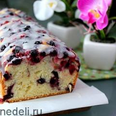 Простой пирог с замороженными ягодами