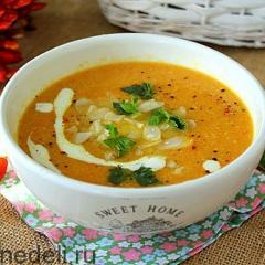 Суп из сельдерея с морковью и курицей