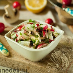 Салат из редиса с шампиньонами