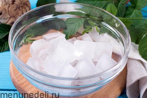 Манная каша с замороженной малиной - рецепт пошаговый с фото