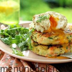 Картофельные оладьи с яйцом пашот