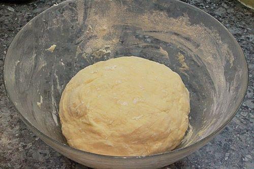 Маленькие дрожжевые пончики с джемом - рецепт пошаговый с фото
