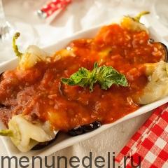 Салат из баклажанов и перца подача