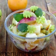 Фруктовый салат с дыней и апельсинами