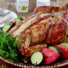 Курица, фаршированная яблоками и рисом