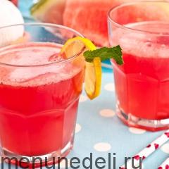 Лимонад из арбуза с мятой