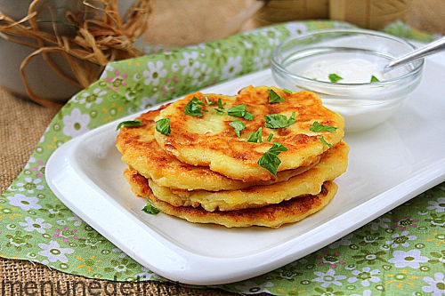 Лепешки из картофельного пюре с чесноком