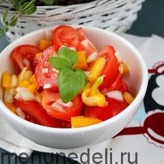 Салат из помидоров со сладким перцем и растительным маслом как в детском саду