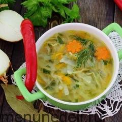 Луковый суп с капустой подача