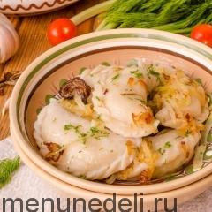 Постные вареники с картошкой и грибами подача