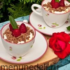 Дачный десерт с малиной