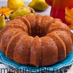 Кекс-кольцо с грушами и орехами