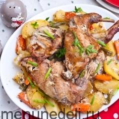 Кролик, запеченный с картофелем в сметане